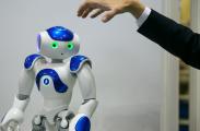 """2019年,人工智能要落地,更要小心被""""摔死"""""""